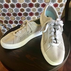 Dr. Scholl's Kinney Lace Up Sneakers